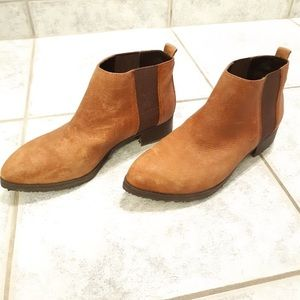 NINE WEST 6.5/36.5 leather ankle boots almond toe